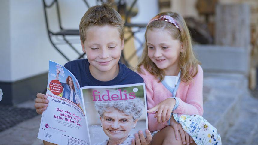 Die gute Geschichte: Auch der Enkel hilft eifrig mit