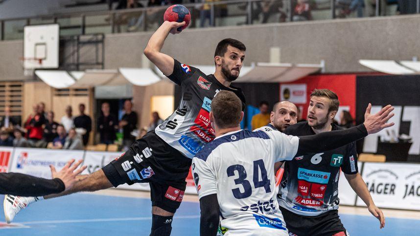 Schwazer Handballer mit Pflichtsieg gegen Aufsteiger Bruck
