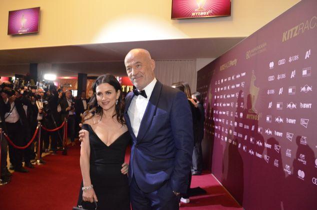 Der deutsche Schauspieler Heiner Lauterbach und Frau Viktoria amüsierten sich.