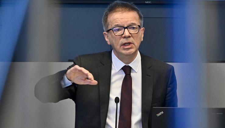 """""""Wir können Österreich unter keinen Glassturz stellen."""" Die Zugbrücken bleiben trotz Coronavirus unten, sagt der grüne Gesundheitsminister Rudolf Anschober."""