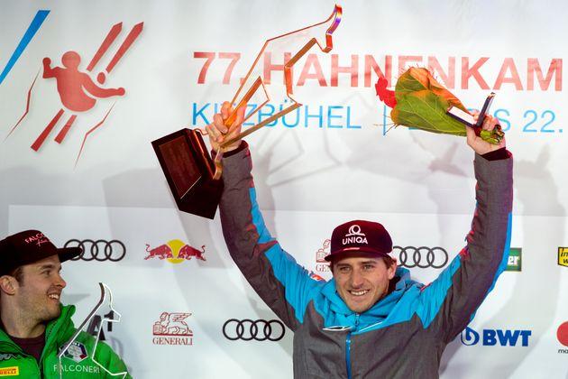 Jänner: Erfolgreiches ÖSV-Wochenende in Kitzbühel: Matthias Mayer gewinnt den Super-G, Marcel Hirscher den Slalom. Nur bei der Abfahrt triumphiert mit Dominik Paris kein Österreicher.