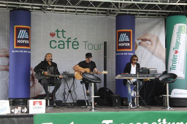Die Band Prime Time ist schon von Anfang an ein treuer Begleiter der Frühstückstour der Tiroler Tageszeitung durch die Bezirke.