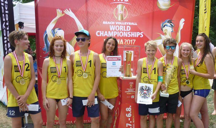 Österreichs Beachvolleyballmeister vom Akademischen Gymnasium holten sich den Meistertitel.