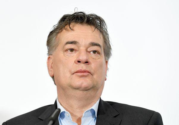 """""""Für mich hat der Begriff Blasenentzündung eine ganz neue Bedeutung bekommen."""" Vizekanzler Werner Kogler (Grüne) versteht jetzt die """"Twitterblase"""" ..."""