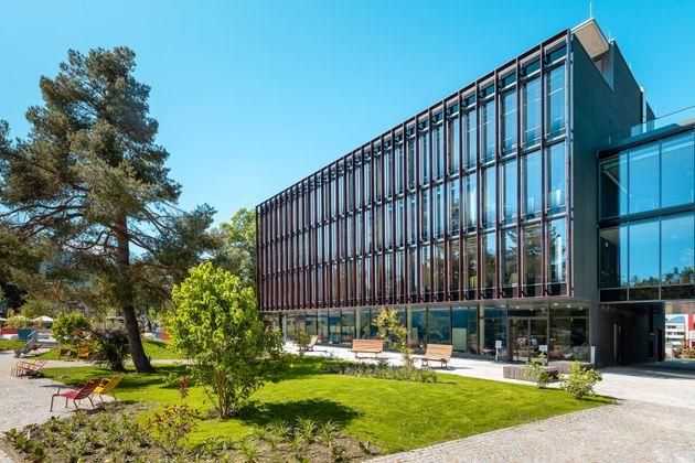 Mit einem Studium an der Kufsteiner Hochschule die eigene Zukunft sichern.