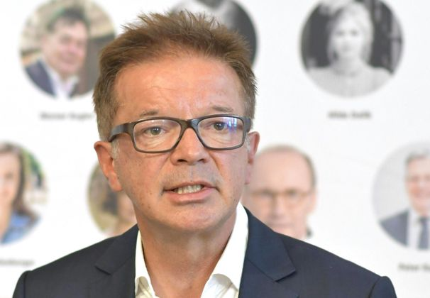 """""""Das Leben in Österreich und Europa wird sich grundlegend ändern."""" Gesundheitsminister Rudolf Anschober (Grüne) fasst die Lage zusammen."""