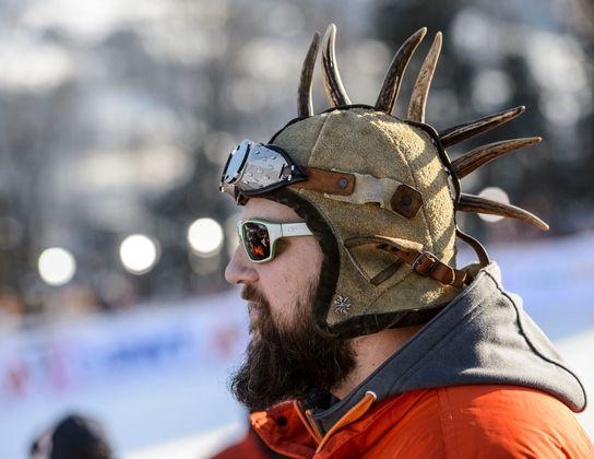 Julius, Matthias-Mayer-Fan aus dessen Heimatgemeinde Afritz, hat diese Kappe seit dem ersten Sieg von Mothl auf.