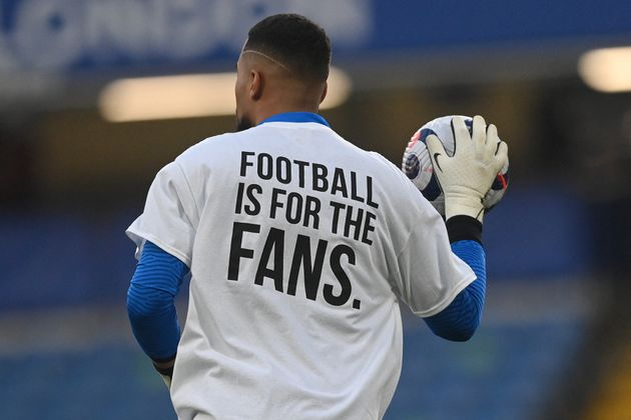 In der gestrigen Partie gegen Chelsea protestierten die Spieler von Brighton mit Shirts gegen die Super League Pläne.