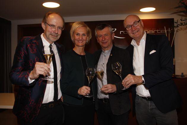 Eugen Russ (Russmedia) mit Moser-Holding-Vorstand Silvia Lieb, Gerhard Fritsch (Spar Marketing) und Hans Peter Trost (v.l.; ORF-Sportchef).