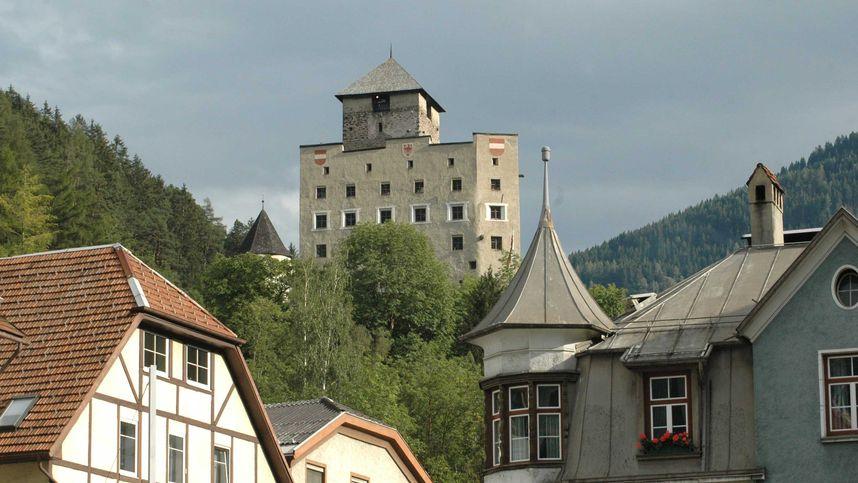 Rauchentwicklung auf Schloss Landeck rief besorgte Anrufer auf den Plan