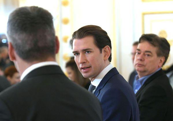 """""""Wenn der Schutz der EU-Außengrenzen nicht gelingen sollte, dann wird Österreich seine Grenzen schützen."""" Bei Asylsuchenden sieht das schon anders aus, meint Kanzler Sebastian Kurz (ÖVP)."""